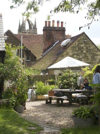 The Horse guards inn: Beautiful location....