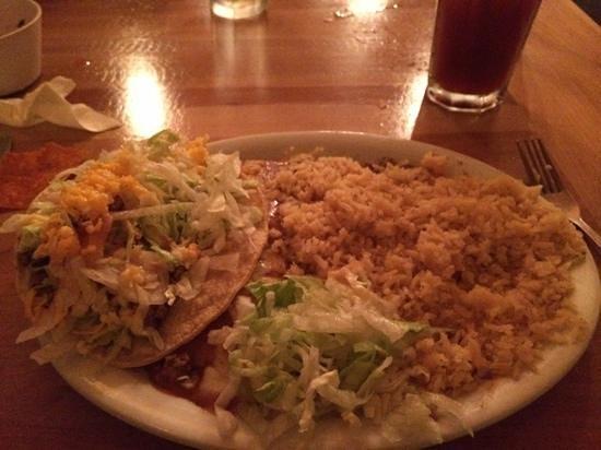 El Cid Mexican Cuisine: Enchilada & taco combo