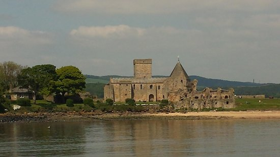 Inchcolm Abbey and Island: Arriving on the ferry