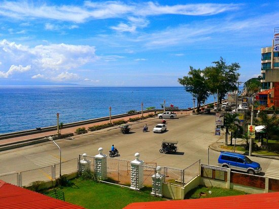 Rizal Boulevard: Rizal ave.from silliman view..
