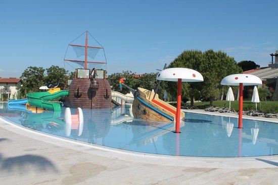Bellis Deluxe Hotel: Kids Aqua park
