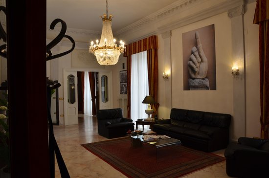Palazzo Magnocavallo B&B: Eingangshalle