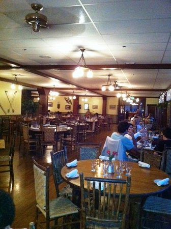 The View Restaurant at the Historic Crags Lodge : Miain dining room