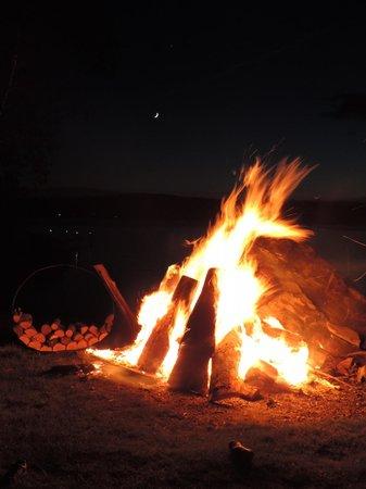 Jackson's Lodge: Bonfire