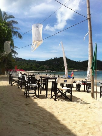 The beach club Restaurant Bar & Grill : Dining and lunch on the beach