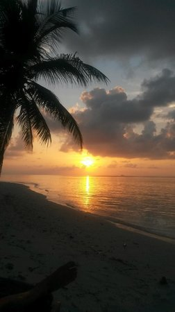 Filitheyo Island Resort: amazing sunsets
