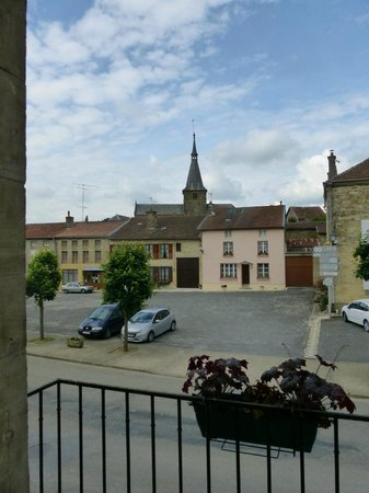 Hotel Du Saumon : View from our room