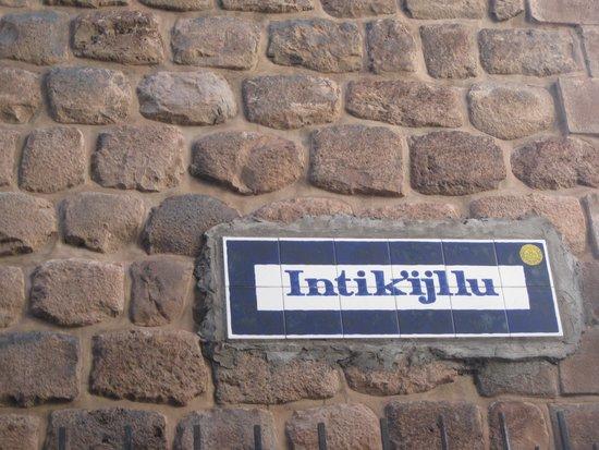 Callejón de Loreto: Intik'ijllu or Loreto St