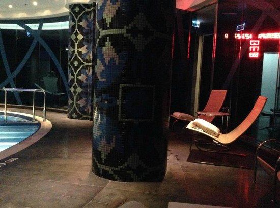 Renaissance Izmir Hotel: Pool 2