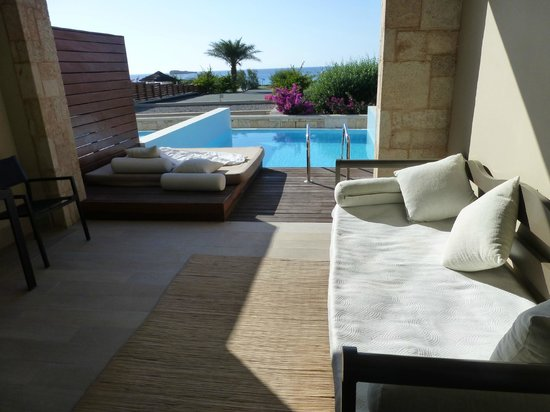 AquaGrand Exclusive Deluxe Resort: Terrasse and private pool