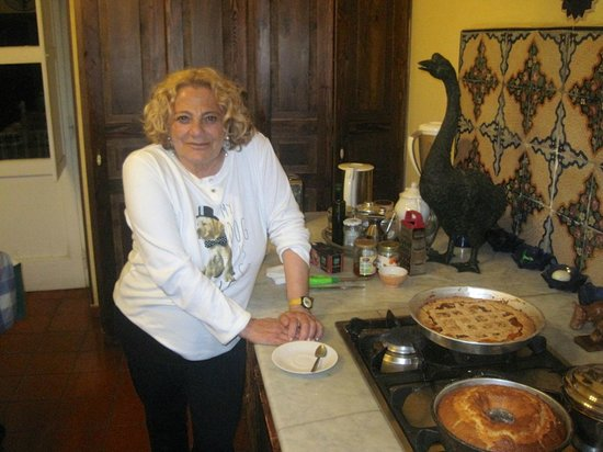 Donna Regina B&B: Gabriella, artist and wonderful cook