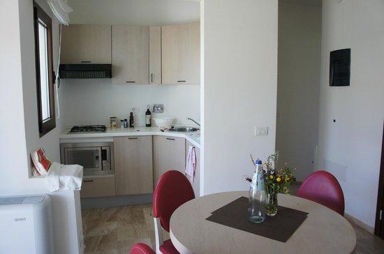 Grande Baia Resort & SPA: Küche/Wohnen/Essen Typ 2
