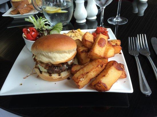 King's Croft Hotel: Pulled pork burger