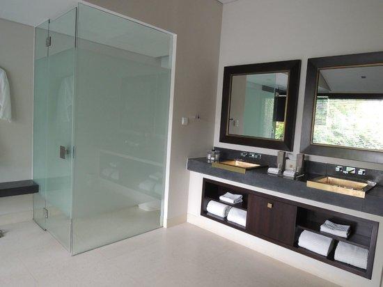 Fusion Maia Da Nang : Bathroom Amenities