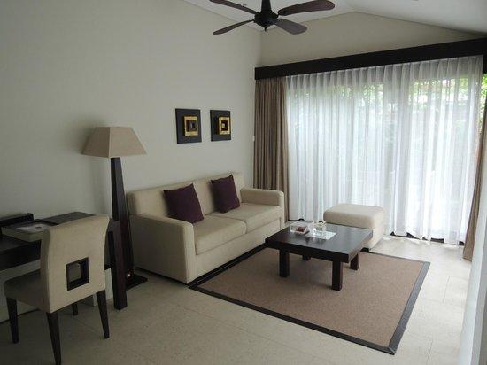 Fusion Maia Da Nang : Living Room