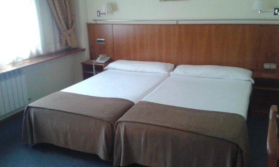 Hotel Ciudad de Compostela: HABITACION