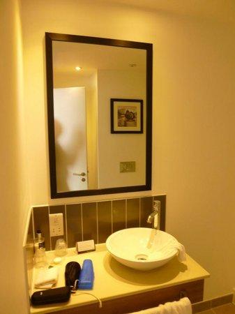 Staybridge Suites Birmingham: Bathroom