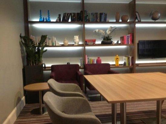 Staybridge Suites Birmingham: The Den