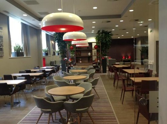 Staybridge Suites Birmingham: Dining room