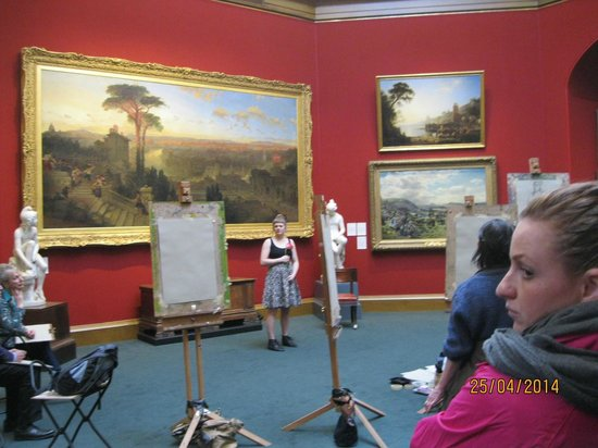 Scottish National Gallery: Art class in the gallery