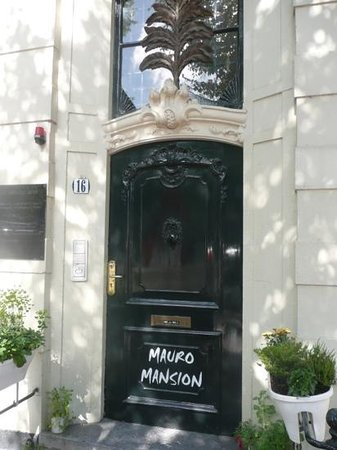 Mauro Mansion