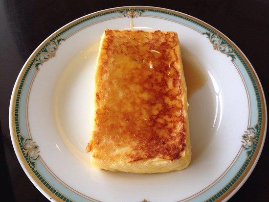 SantaMonicanokaze: フレンチトーストです。メープルシロップは好みでかけられます。