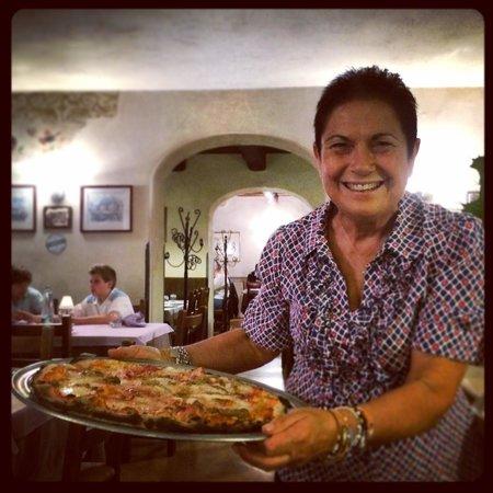 Trilogy Club Pizzeria Ristorante Pub : Mara la titolare