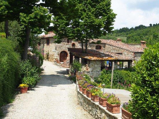 Poderi Val Verde : eine weitläufige, liebevoll angelegte anlage - umgeben von grüner natur