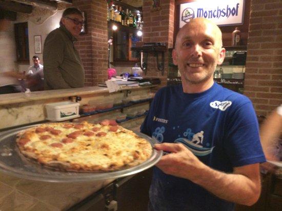 Trilogy Club Pizzeria Ristorante Pub : Luca