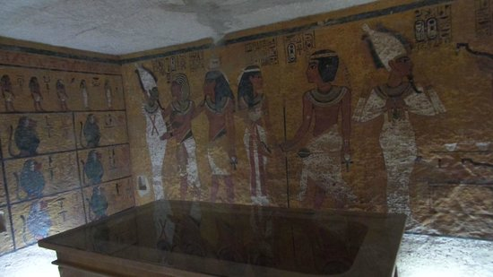 Howard Carter House : The only picture of the replica was able to take before being stopped