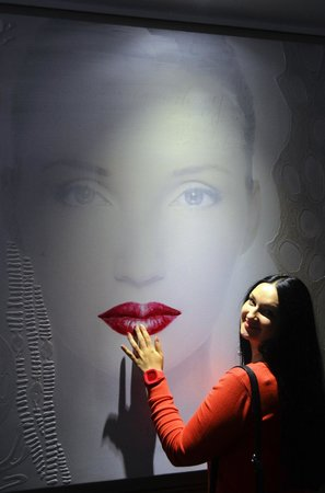 Hotel Sint Nicolaas : картинная галерея на этажах отеля