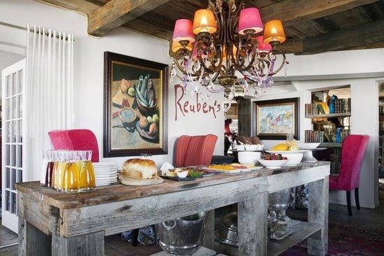 Reuben's: Restaurant