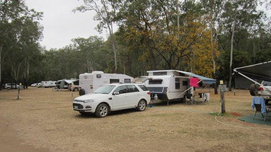 Takarakka Bush Resort & Caravan Park : Great caravan sites with easy parking