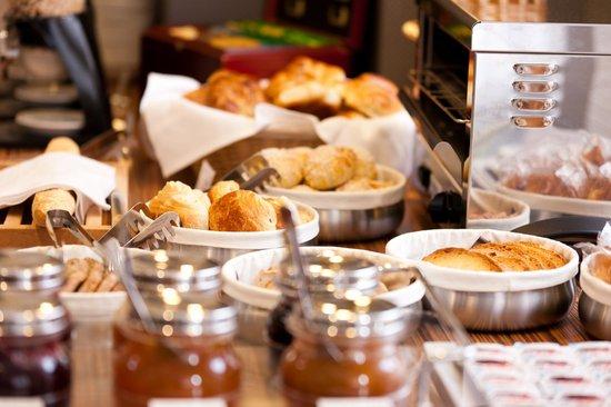 Grand Hôtel du Tonneau d'Or : Petit-déjeuner