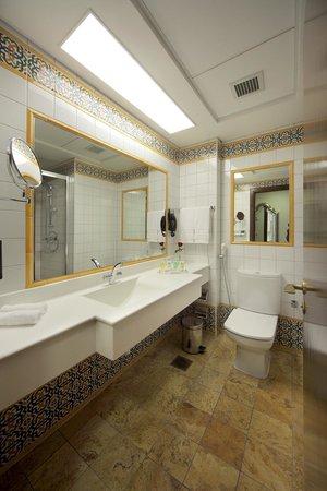 Anjum Hotel Makkah : Guestroom Bathroom