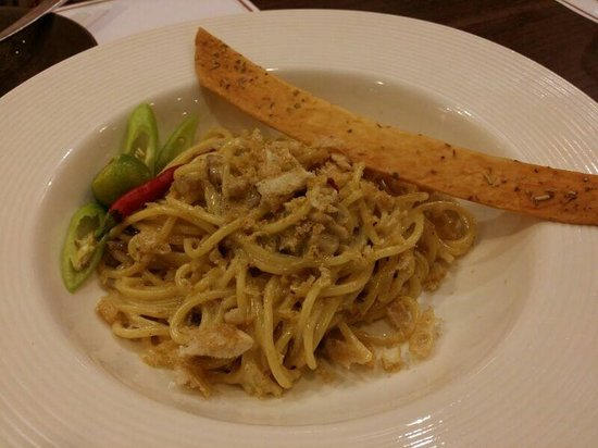 The Linden Suites : Sisig Spaghetti