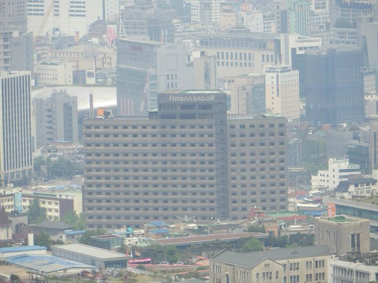 Grand Ambassador Seoul: View on Hotel from Seoul Tower