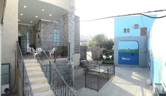 Villa Roca Tiberias: Courtyard Garden
