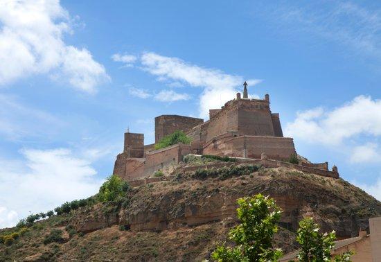 Castillo de Monzón: De la ciudad al Castillo