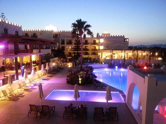 Sensimar Oceanis Beach & Spa Resort: Beautiful pool at night