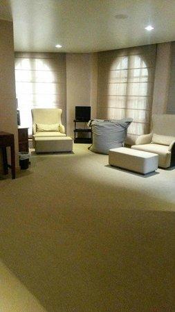 Ambasciatori Place Hotel : sala relax piccola