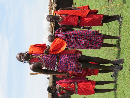 Governor's Camp : The nearby Masai village