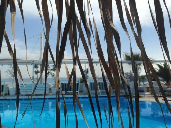 Mykonos Palace Beach Hotel: Piscine de l'hôtel