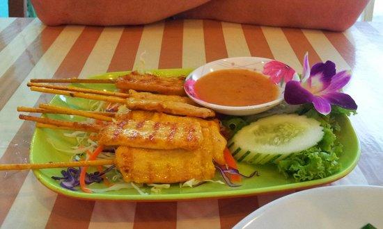Green Bird : Satay chicken skewers