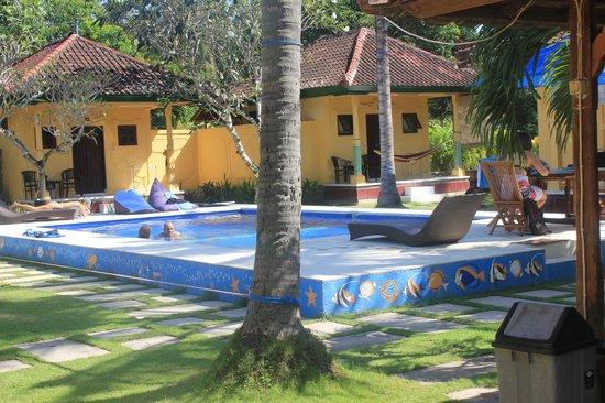 Secret Garden Bungalows: Anlage mit Pool
