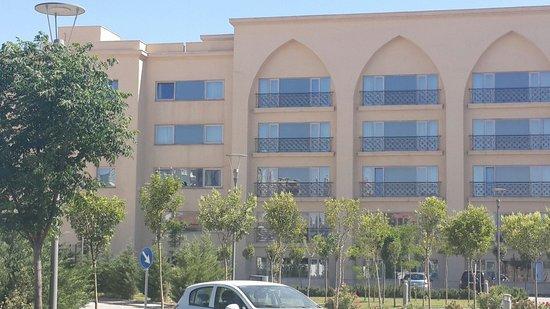 Hilton Garden Inn Mardin: Front of the Otel