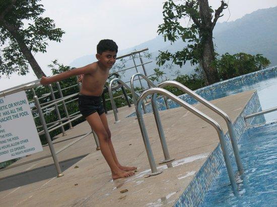 Porcupine Castle Resort: swimming pool
