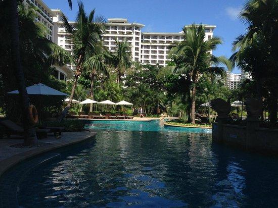 Howard Johnson Resort Sanya Bay: Бассейны