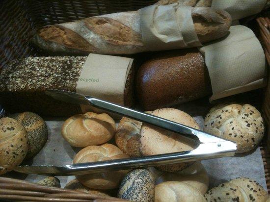 Hotel Alexandra : Selection of fresh breads