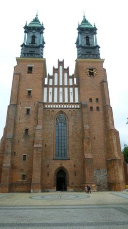 Cathedral Island (Ostrow Tumski): Front